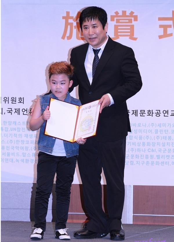 리틀싸이황민우와선풍회장.PNG